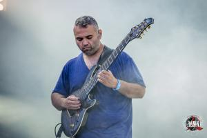 2017-06-16-Hellfest-2017-Animals-as-Leaders-1